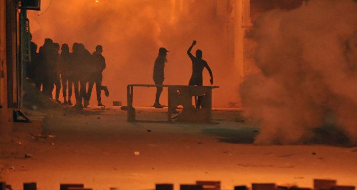 Nouveaux heurts au nord-ouest, calme dans le reste du pays — Tunisie