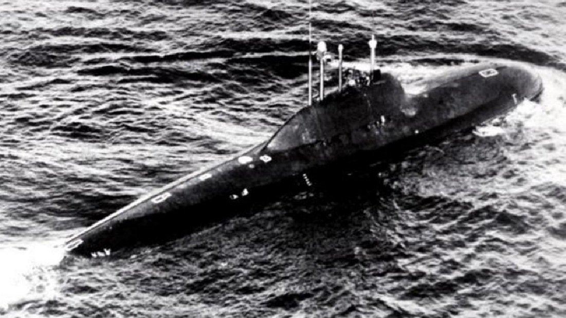 Un sous-marin nucléaire soviétique du projet 705 Lira