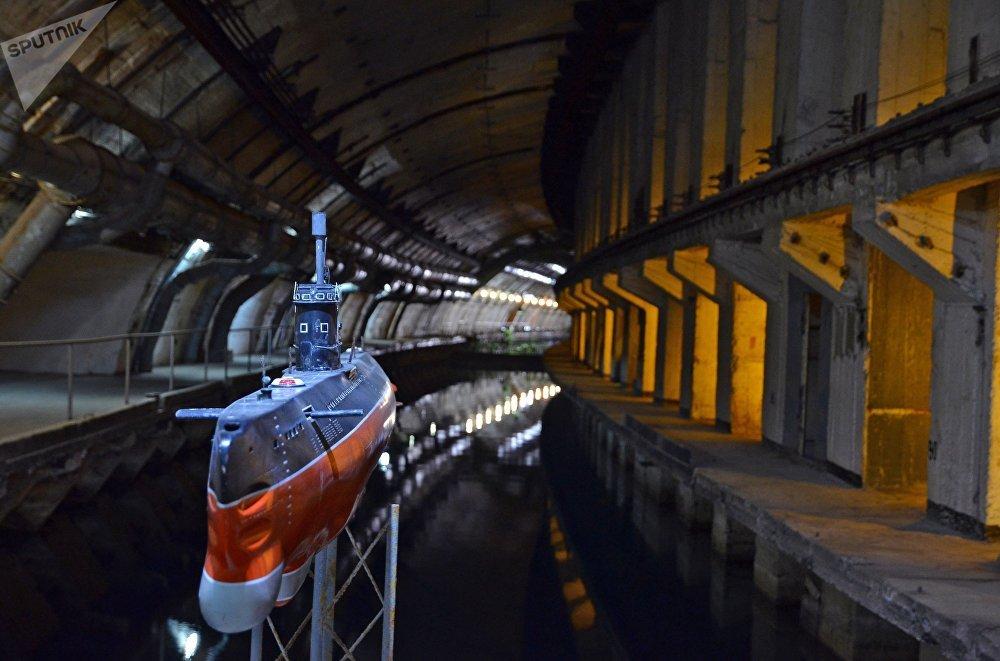 Une maquette d'un sous-marin du projet 613
