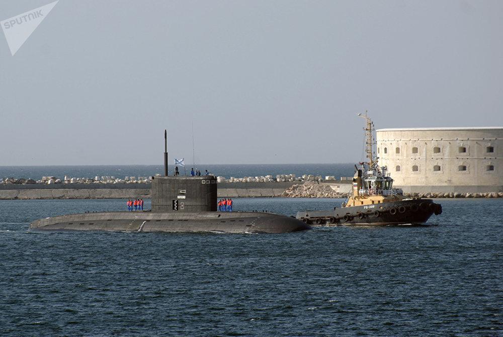 Le sous-marin Novorossiïsk du projet 636.3 Varchavianka