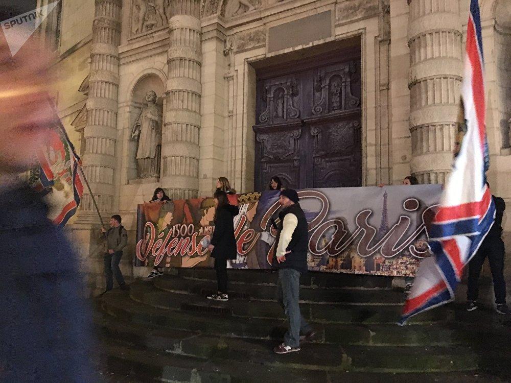 Marche en l'honneur de Sainte-Geneviève à Paris