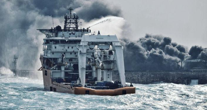 Naufrage en mer de Chine: la marée noire triple de taille