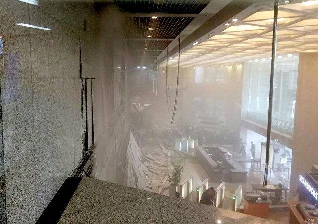 L'effondrement d'un étage de la Bourse de Jakarta