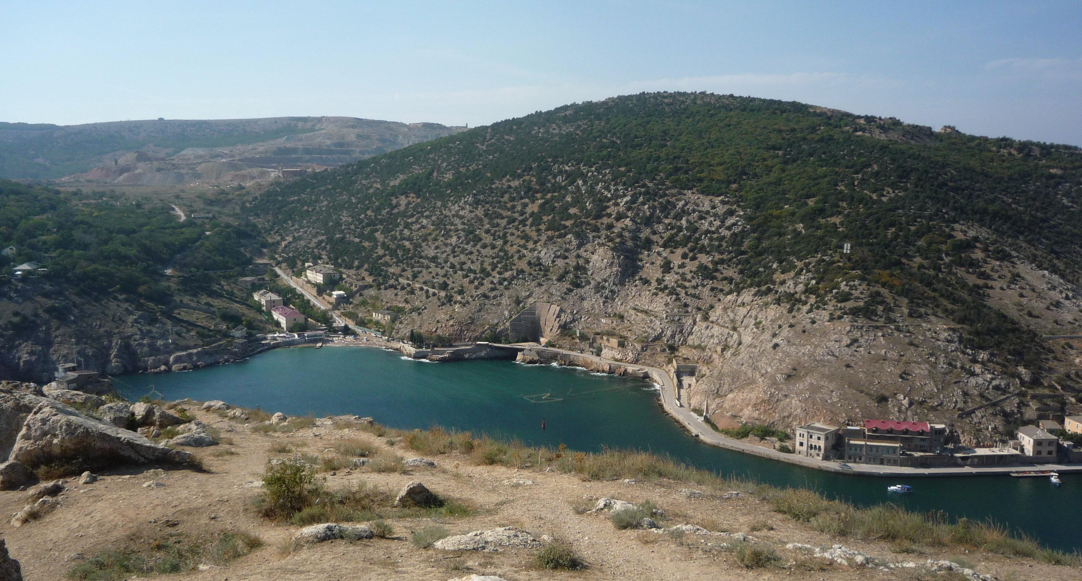 L'abri des sous-marins en Crimée