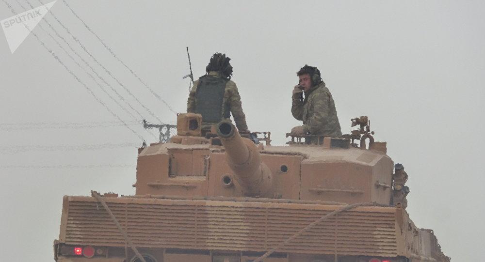Un char turc à Afrine