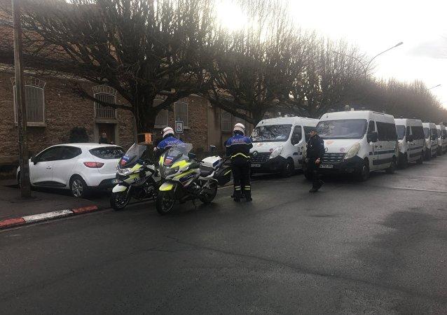 Extraction de Jawad Bendaoud de la prison de Fresnes vers le tribunal de Paris pour son procès