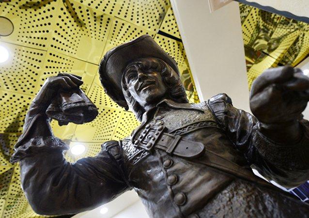 monument consacré à d'Artagnant à Iékatérinbourg