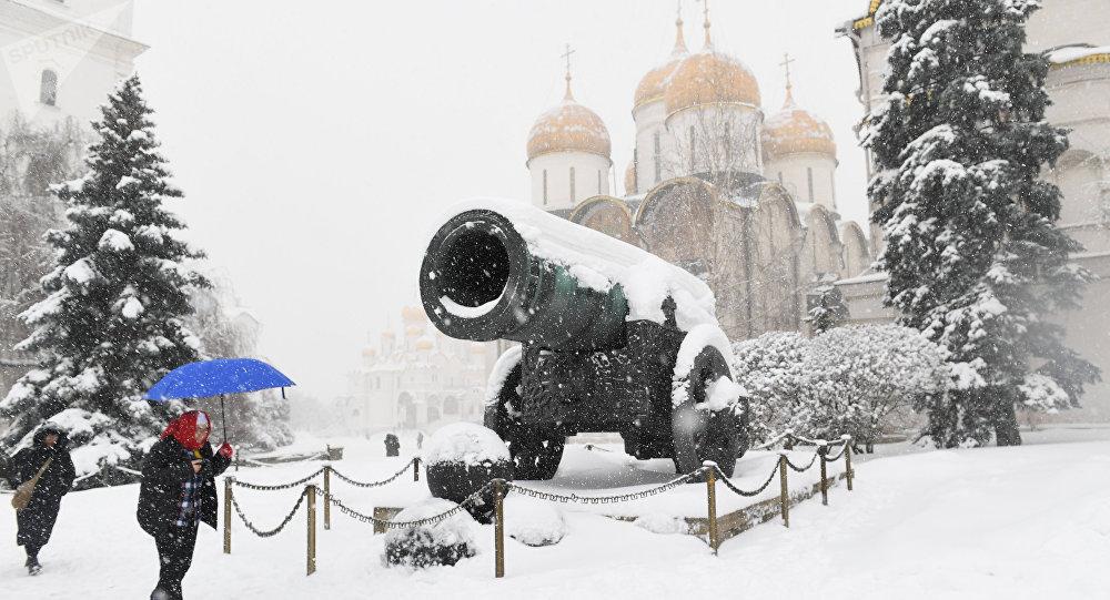 De fortes chutes de neige à Moscou