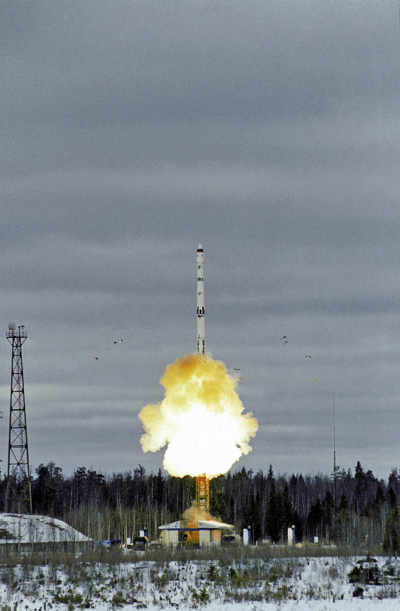 Moscou se réserve le droit de faire usage du nucléaire militaire en cas d'agression menaçant l'existence même de la Russie en tant qu'État