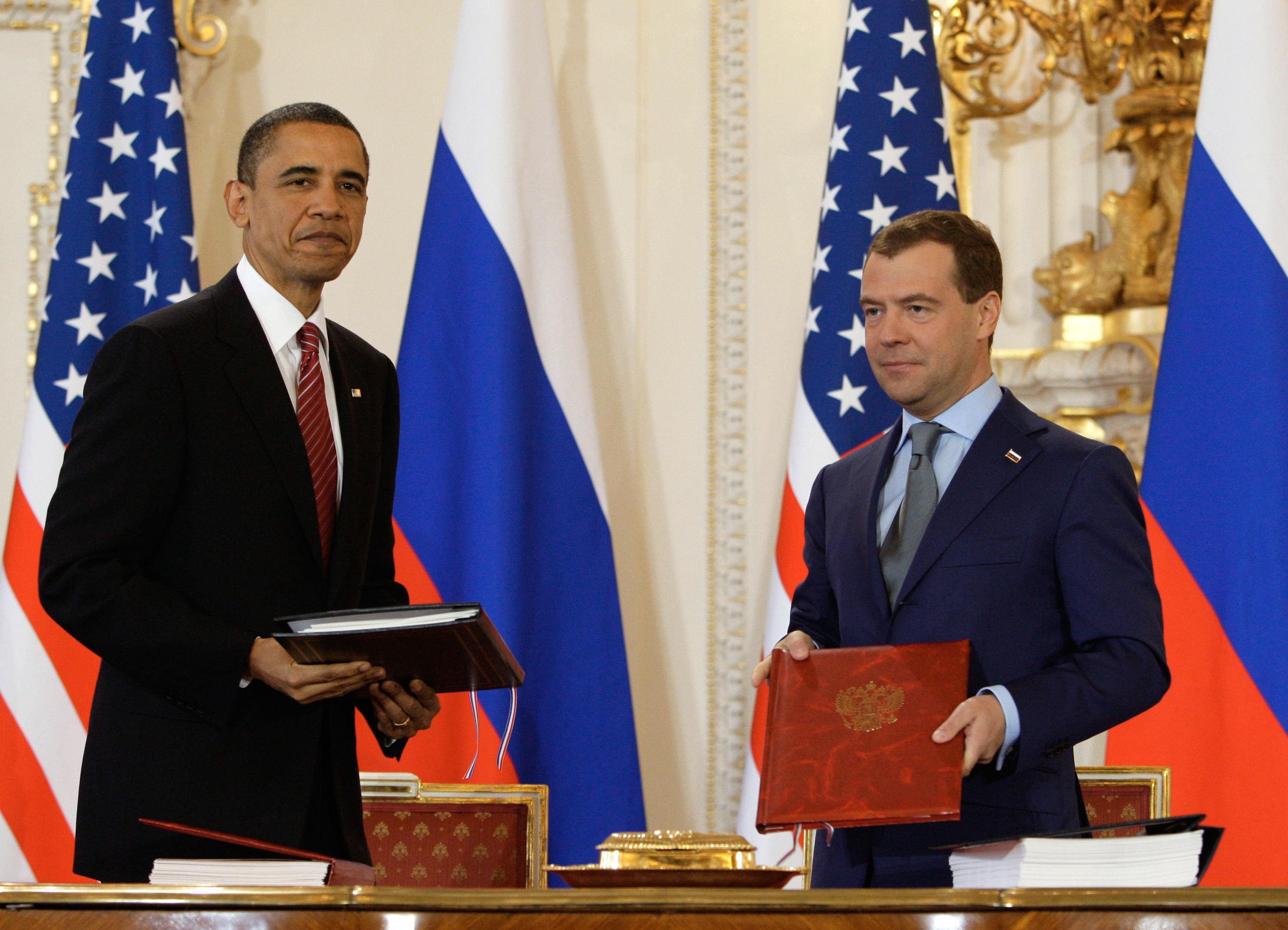 Le New START a été signé par Barack Obama et Dmitri Medvedev en 2010, à Prague