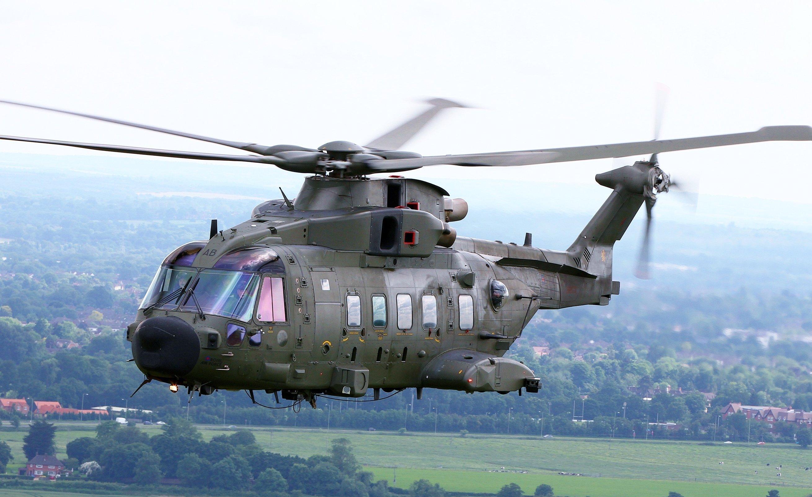 Un hélicoptère britannique Merlin