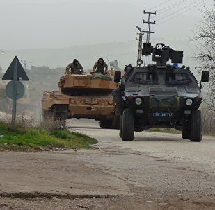 Des chars turcs à Afrine