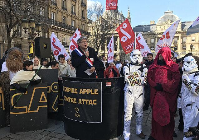 Apple Contre Attac, 12 février 2018