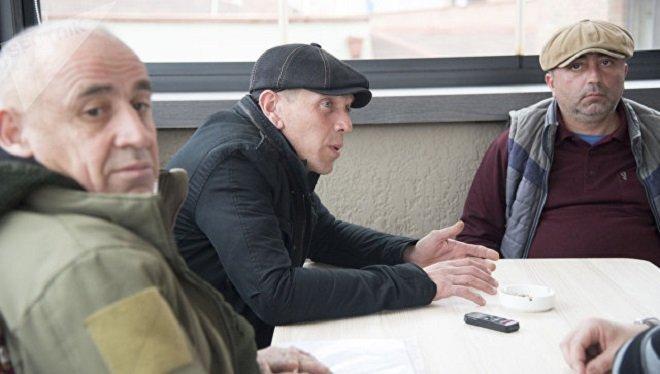 Le général Tristan Tsitelashvili, Alexandre Revazishvili et Koba Nergadzé