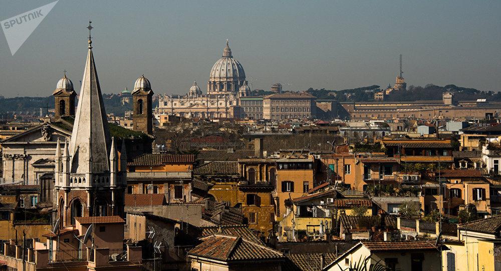 Une rue s'effondre et avale des voitures (Vidéos + Photos) — Rome