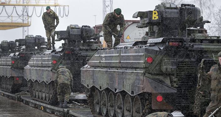 L'Allemagne, «fer de lance» de l'Otan? «Pas de menace pour la Russie»