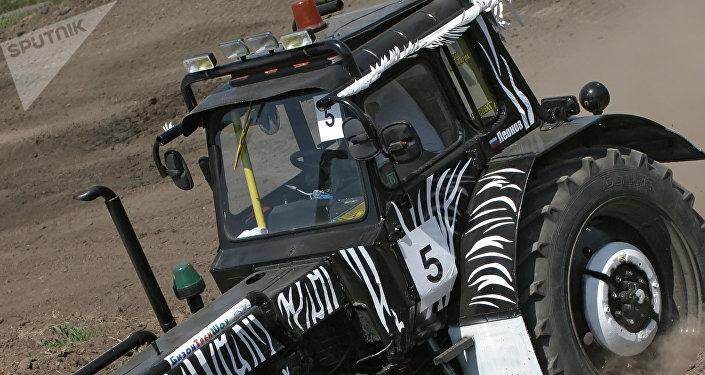 Une compétition pour tracteurs (image d'illustration)