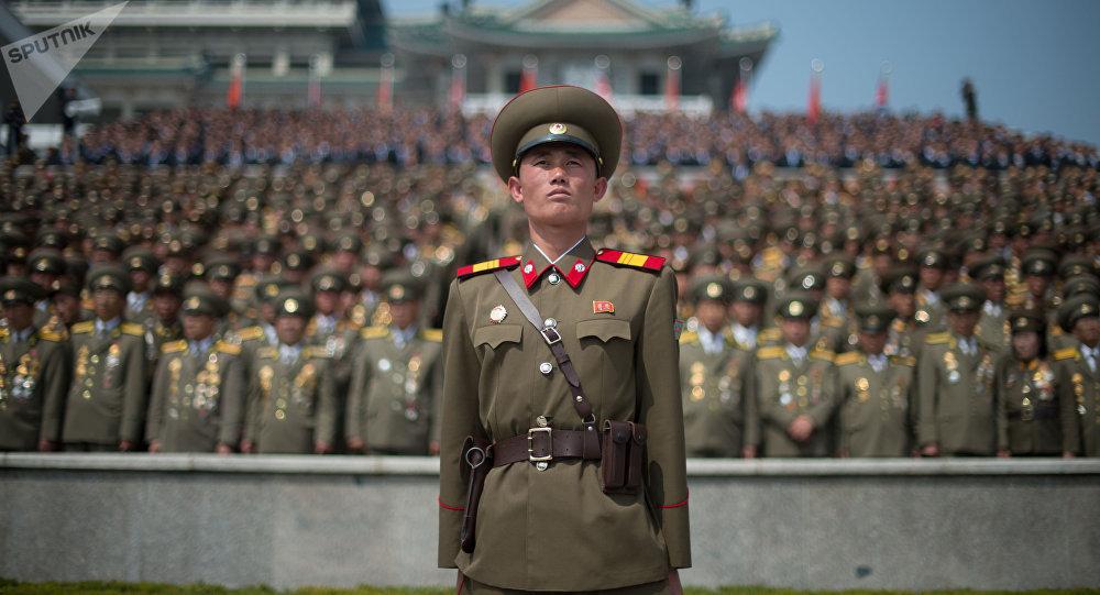 Un défilé militaire à Pyongyang