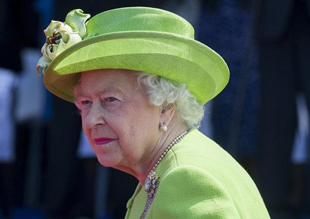 La reine Elizabeth II lors des festivités à l'occasion du 70e anniversaire du débarquement en Normandie