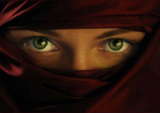 Femme en niqab