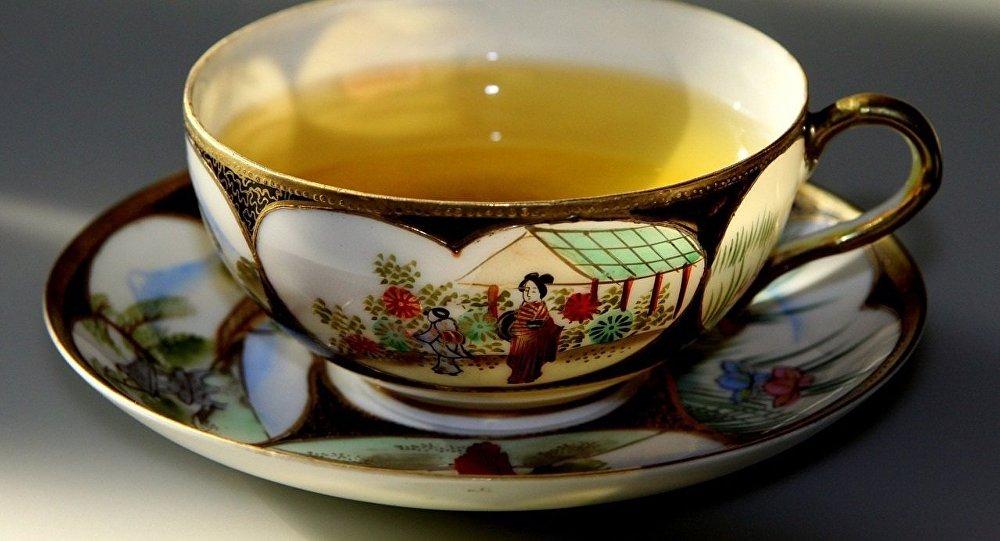 Boire du thé chaud augmente le risque de cancer de l'œsophage — Etude