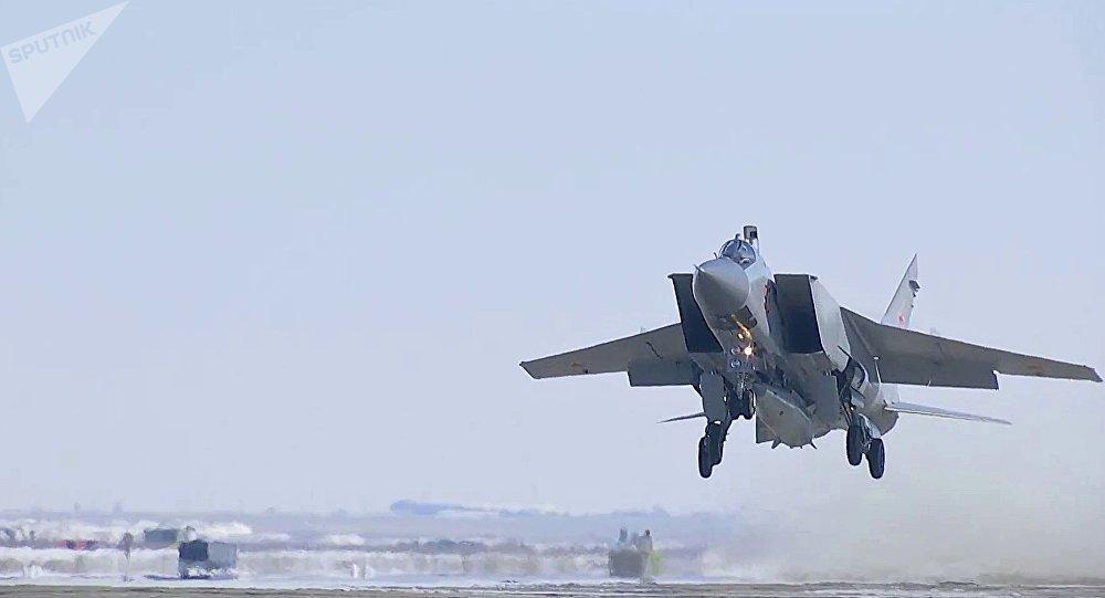 Tir d'essai réussi d'un missile hypersonique Kinjal
