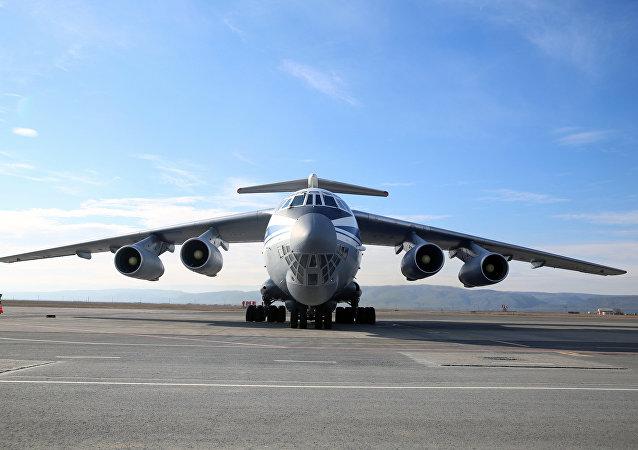 Un Il-76MD-M