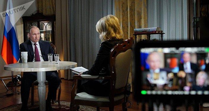 Vladimir Poutine lors de une interview accorde à la journaliste de la NBC Megyn Kelly