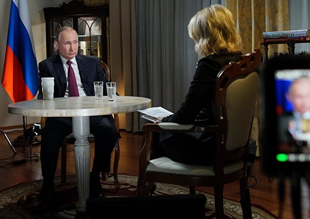 Vladimir Poutine lors de une interview accorde à la journaliste de la NBC Megyn Kelly