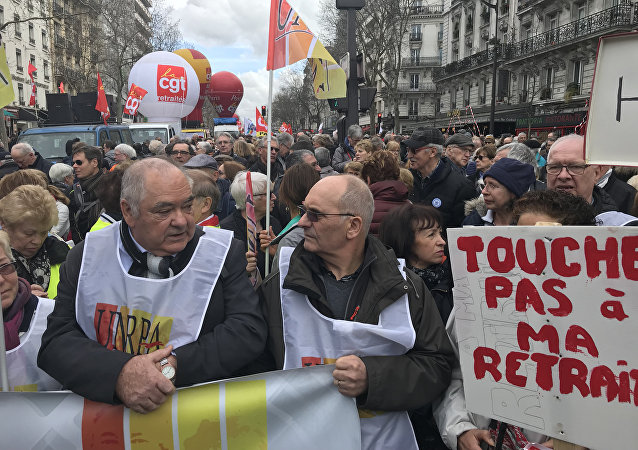 Manifestation des retraités avec la participation des cheminots en cours à Paris, 15 mars 2018