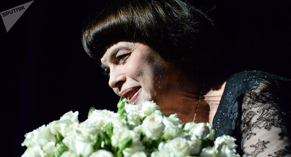 Mireille Mathieu à Moscou