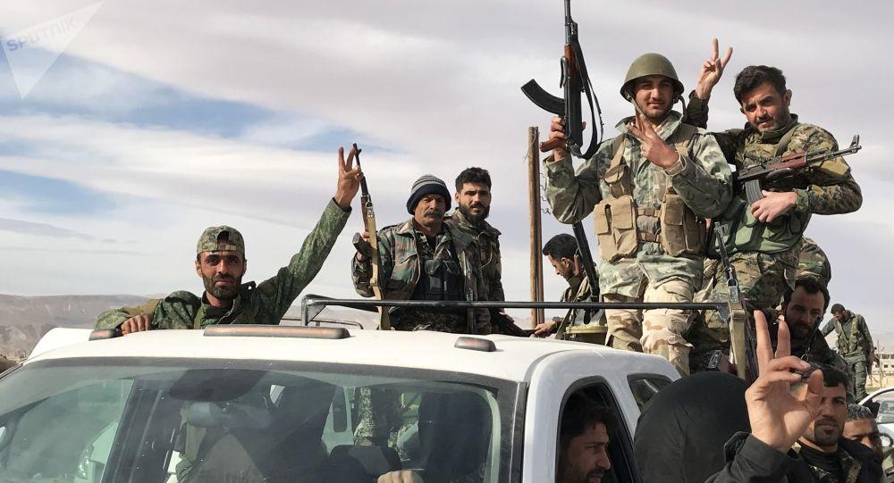 Des militaires syriens dans la Ghouta orientale
