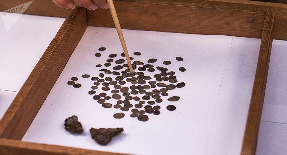Pièces de monnaie anciennes (image d'illustration)