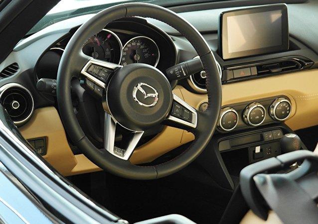 L'intérieur d'une voiture (image d'illustration)