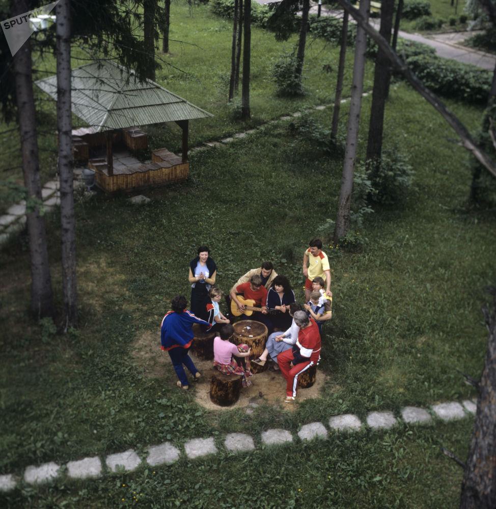 Bonheur à la soviétique: qu'est-ce qui rendait les Soviétiques heureux