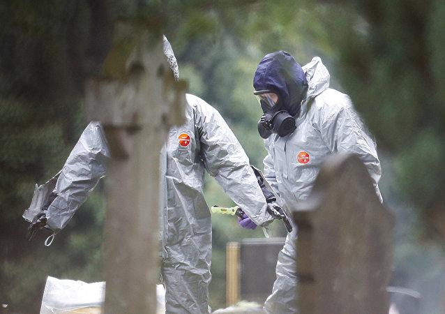 Un equipo de militares británicos investigan el caso de intoxicación de Skripal y su hija