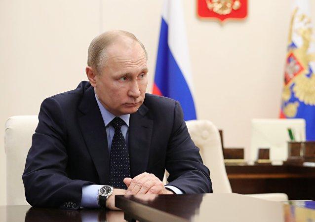 Vladimir Poutine lors d'une réunion consacré aux règlements des conséquences de la tragédie de Kemerovo