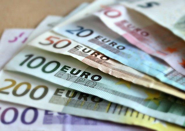 Des billets de banque
