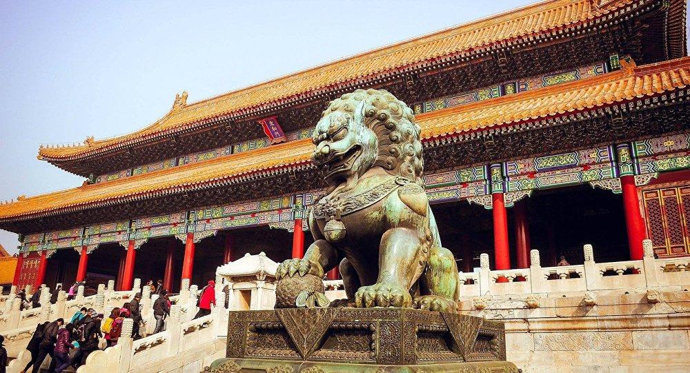 Le FBI qualifie la Chine de menace «la plus vaste, la plus compliquée et la plus durable»