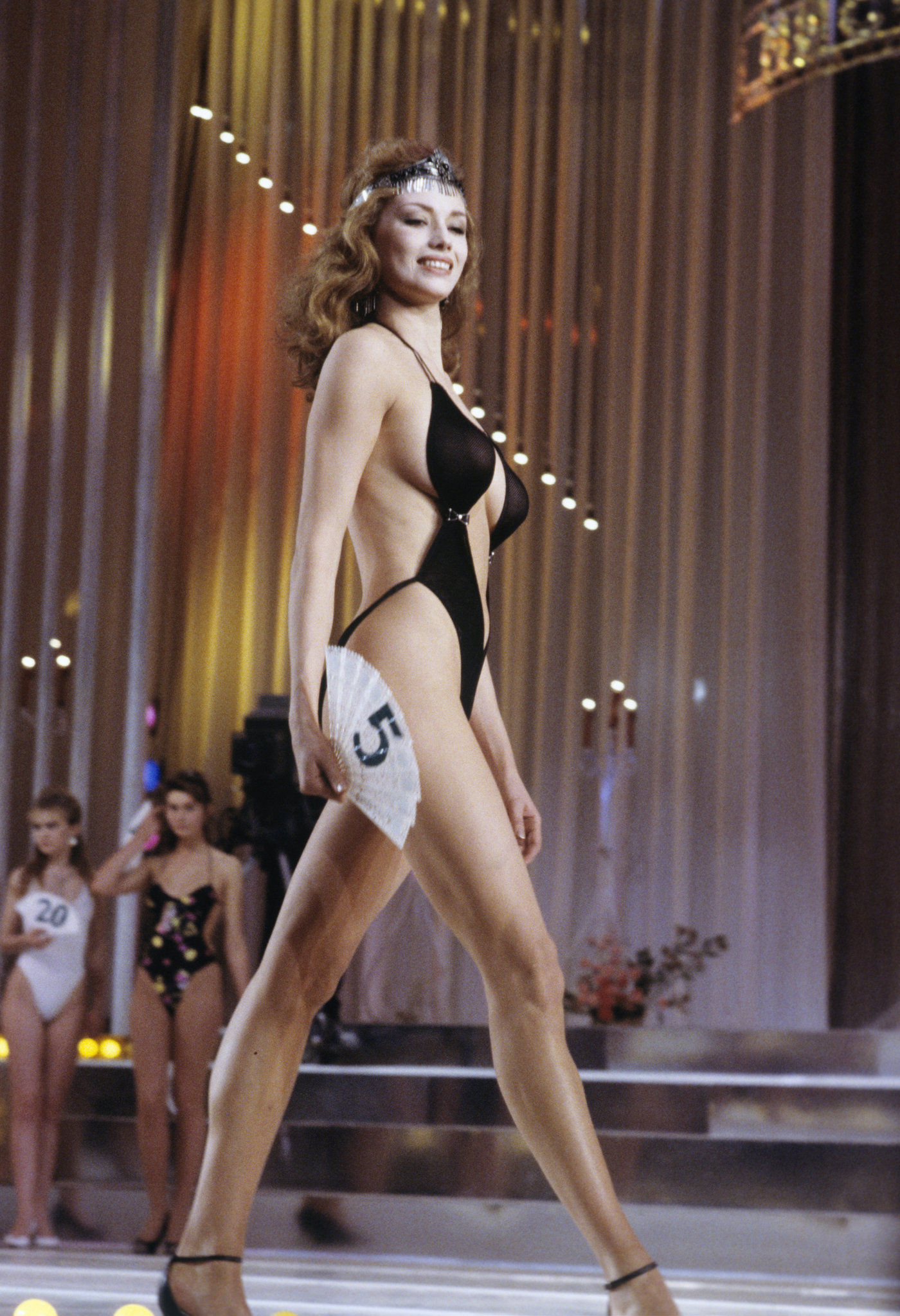 Reine de beaut au pays des soviets quoi ressemblait le for Au coin de la piscine le gardeur