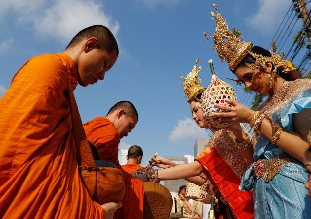 Le Nouvel an thaïlandais Songkran