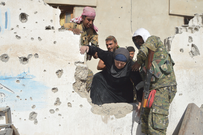 Résidents de Raqqa libérée