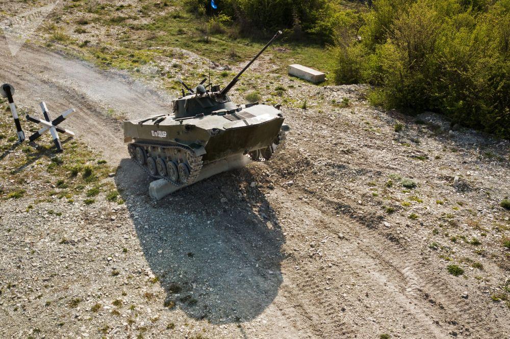 Un tournoi par équipe des troupes aéroportées russes se déroule à Novorossiïsk