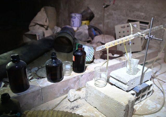 Un laboratoire chimique clandestin à Douma
