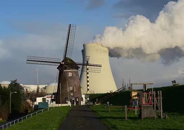 centrale nucléaire en Belgique, image d`illustration