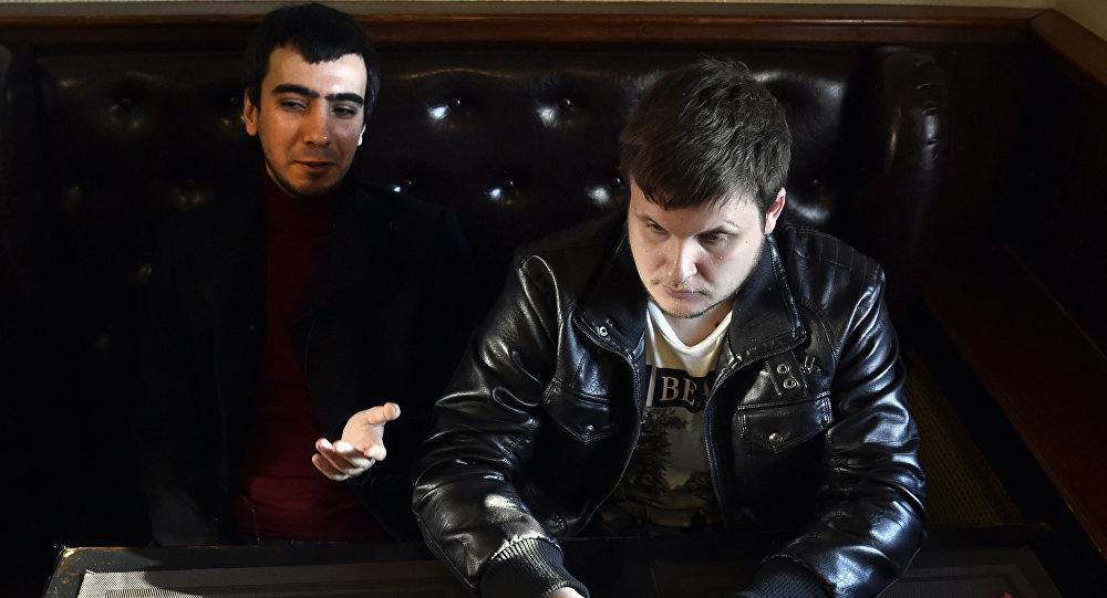 Les maîtres des canulars téléphoniques russe Vovan Kuznetsov and Alexeï Lexus Stolyarov