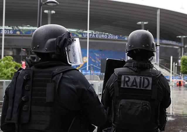 Des membres du Raid