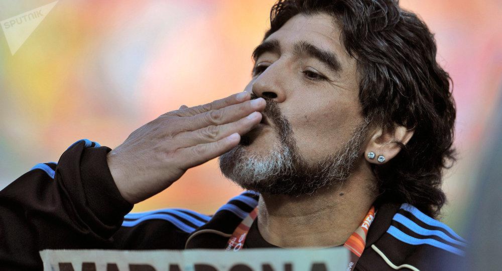 Diego Armando Maradona déclare sa flamme à Vladimir Poutine