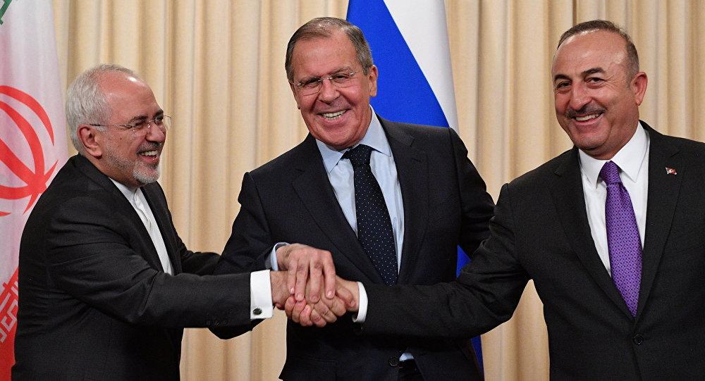 Mohammad Zarif, Sergueï Lavrov et Mevlut Cacusoglu