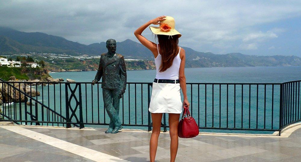 Una turista en Nerja, Andalucía